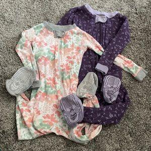 🌻 3/$35 2 18mo Girls' Footsie Pajamas